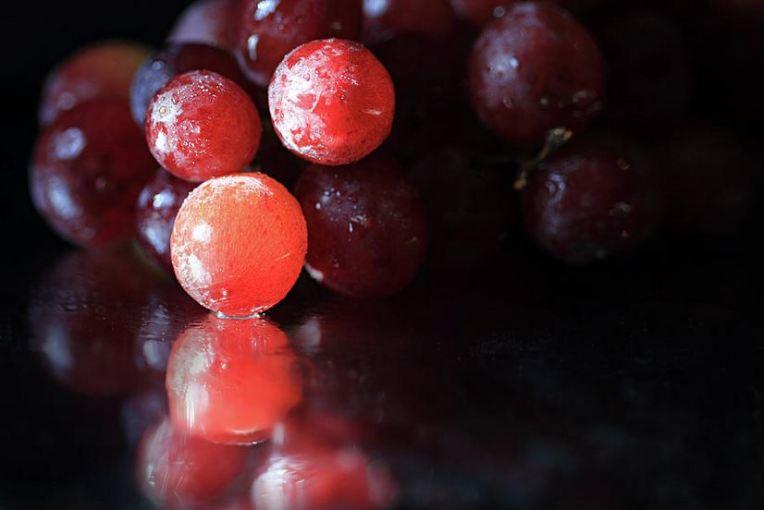 bright-grapes fruit still life by Angela Murdock